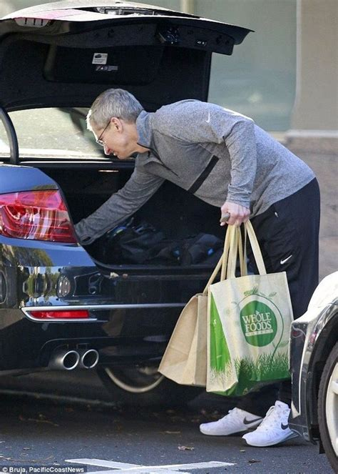 What car does Tim Cook drive? - Quora